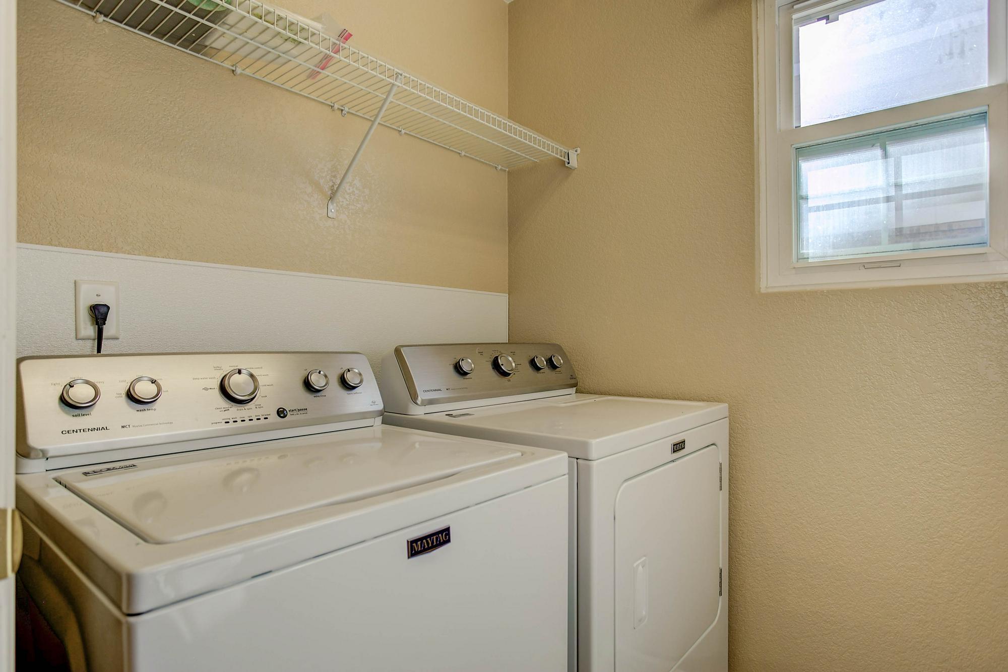 Listassistimage-298778-web_ready-20344%2beast%2bvassar%2bavenue_laundry-2000x2000